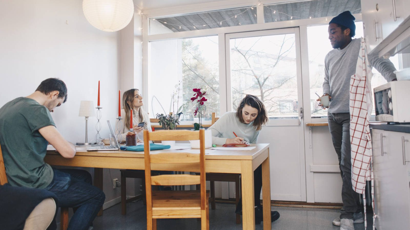 College Housing Should You Live Off Campus Or On Campus